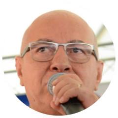 PROFESSOR ALCIDES